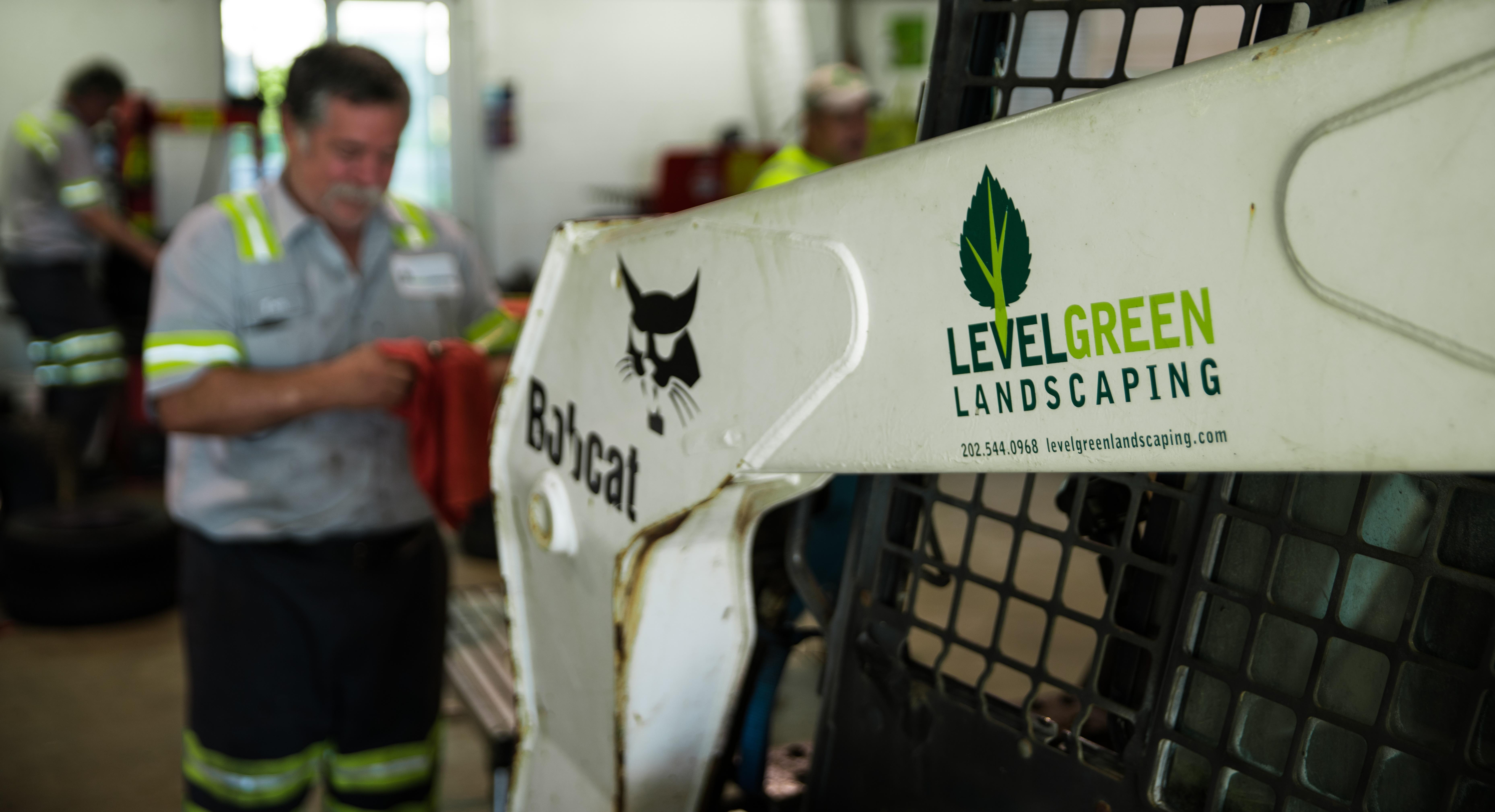 equipment-landscaping-company-logo.jpg